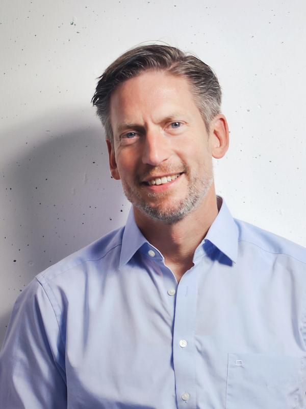 Dr. Henning Hach, Vorstandsvorsitzender der LYNET Kommunikation AG