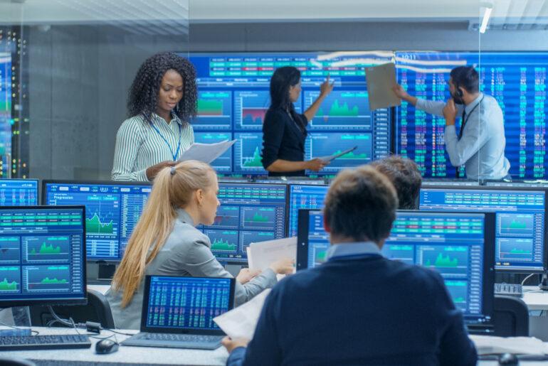 Handel von Tech-Aktien an der Börse. Boom von Aktien der Digitalindustrie in den letzten Jahren.